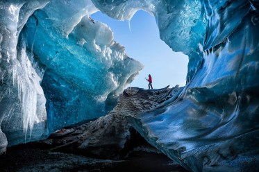 3c local-guide-arriving-remote-ice-cave-southeast-iceland