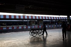 riding-the-rails-in-india-6