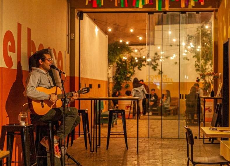Aquece-de-julho-no-Bar-de-Gracia-traz-tambem-apresentacoes-musicais-credito-foto-Graziela-Becker-300x217 Aquece especial antecede em Porto Alegre homenagens a Semana de Gràcia