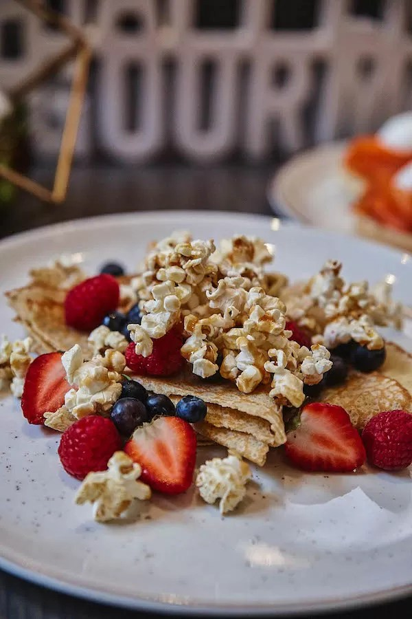 2019 Happening Gourmand - Verses - Brunch - Caramel popcorn pancakes with dulce de leche and mascarpone