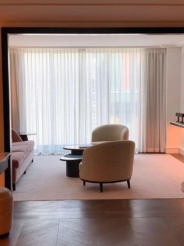 The Four Seasons Hotel Montreal - Living room