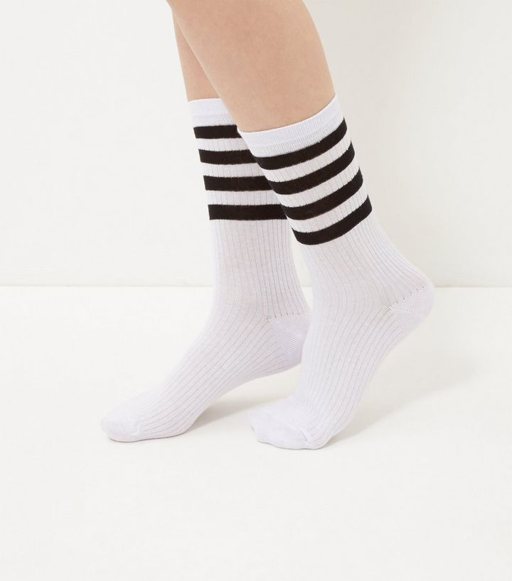 white-stipe-trim-socks