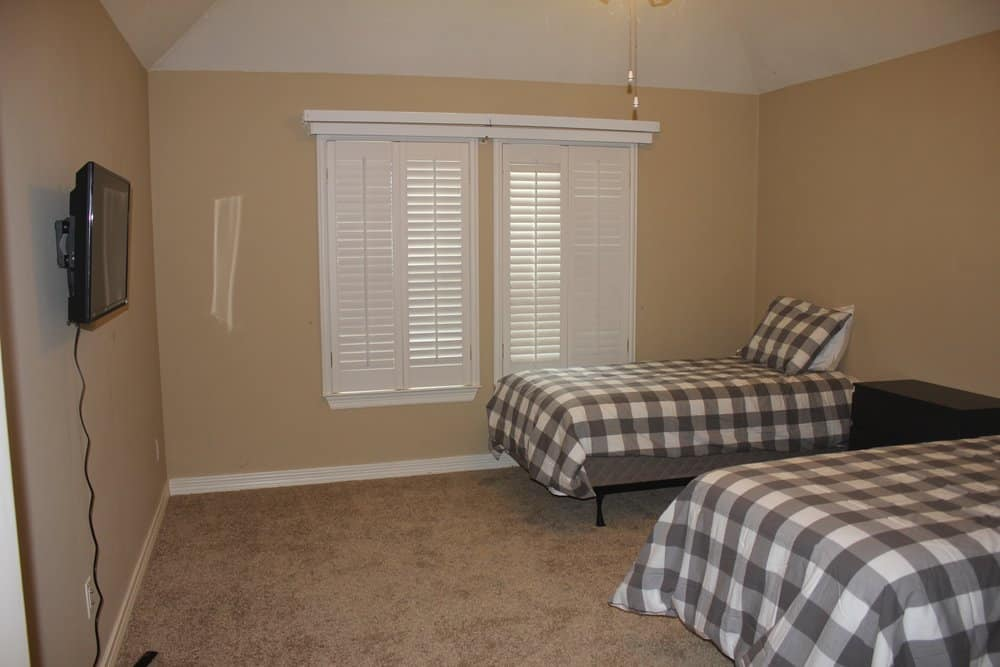 An example of a sober living room for rent.