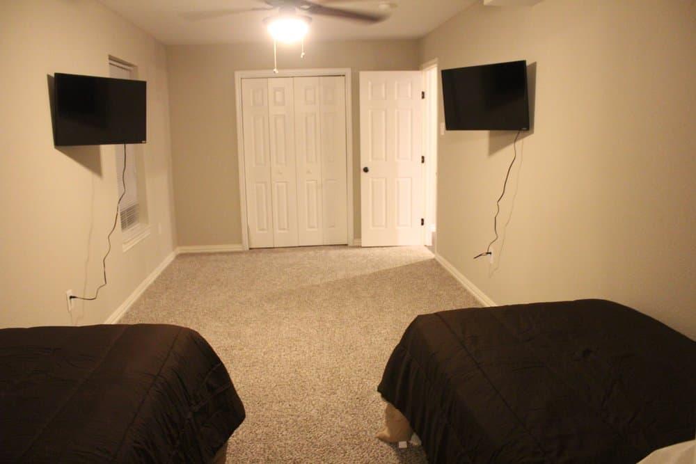 Nice bedroom at richardson sober living