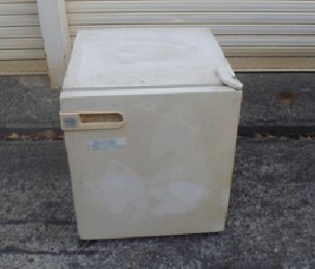 リサイクルサイコロ型の1ドア冷蔵庫