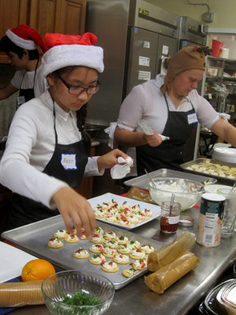 Preparing the hors d'oeuvre trays