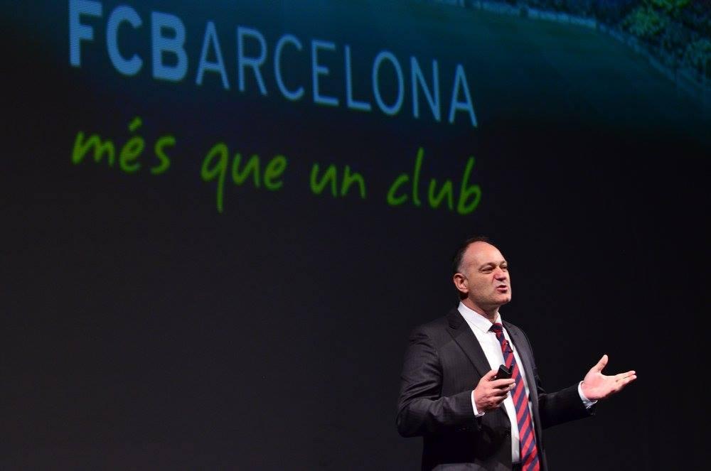 Director del centro de formación del FC Barcelona visitó Uruguay por los 15 años de Reaching U