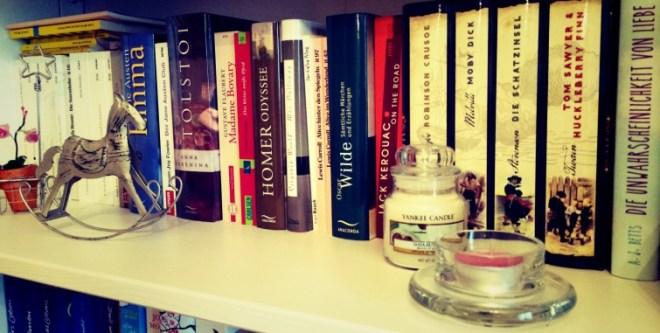 cropped-cropped-bookshelf_1.jpg