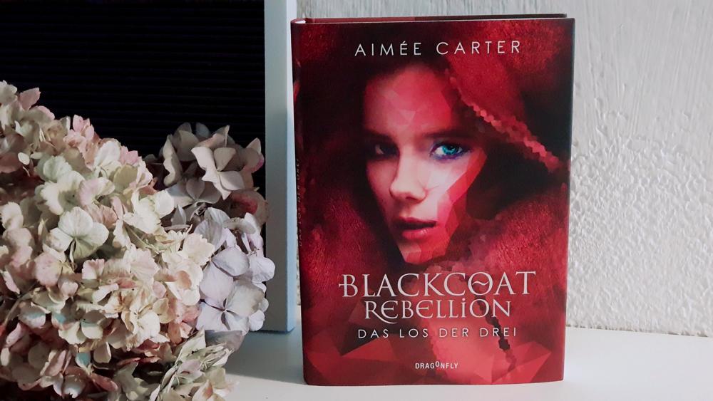 Permalink zu:Blackcoat Rebellion – Das Los der Drei von Aimée Carter [REZENSION]