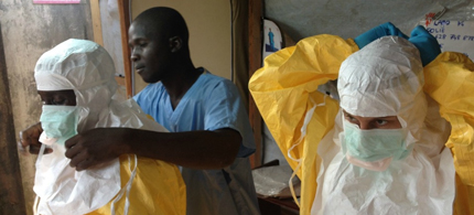 Health workers in Guinea. (photo: European Commission DG ECHO)