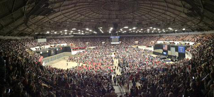 Bernie Sanders Packed 10,000 supporters into the Veteran's Memorial Colosseum in Madison, Wisconsin. (Photo: Scott Galindez/RSN)