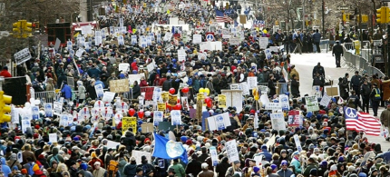 A 2003 protest against the Iraq War. (photo: We Are Many/Facebook)