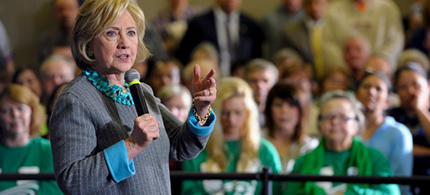Democratic presidential front-runner Hillary Clinton leads chief opponent Bernie Sanders in endorsements from labor unions. She is shown at a town hall in Waterloo, Iowa, Dec. 9, 2015. (photo: Mark Kauzlarich/Reuters)