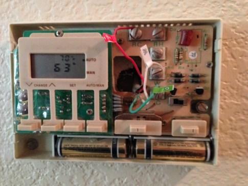Hunter Fan's Universal Internet Thermostat 3