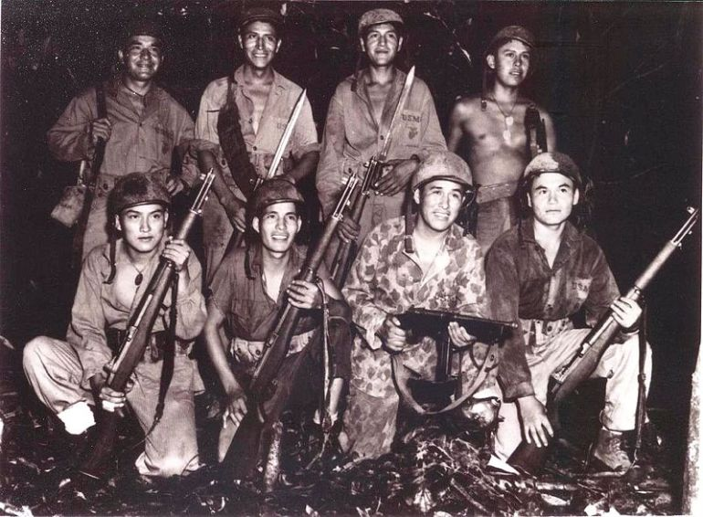 Code_talkers_on_Bougainville,_1943