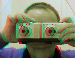 Two cameras for anaglyph 3D image