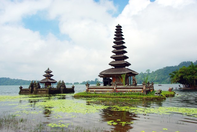 Pura Ulun Danu Bratan temples temple on the water bali