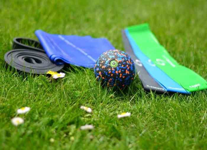 Best light sports equipment for traveling: Tips how to stay fit on holidays