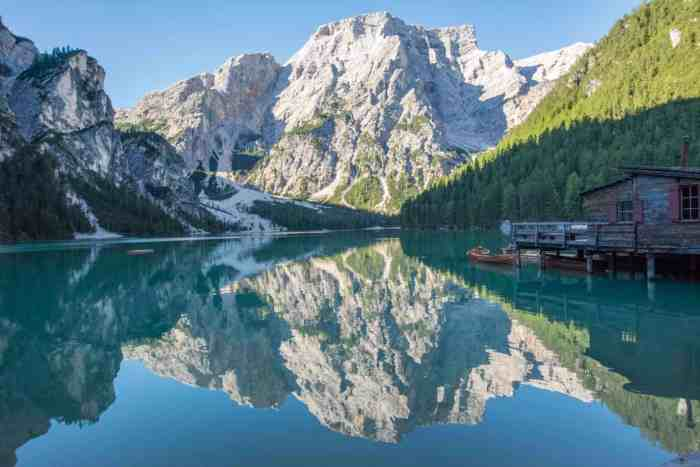 Most beautiful lake of the Alps - this is definitely the best mountain lake in Italy! Don't miss to go to Lago di Braies.