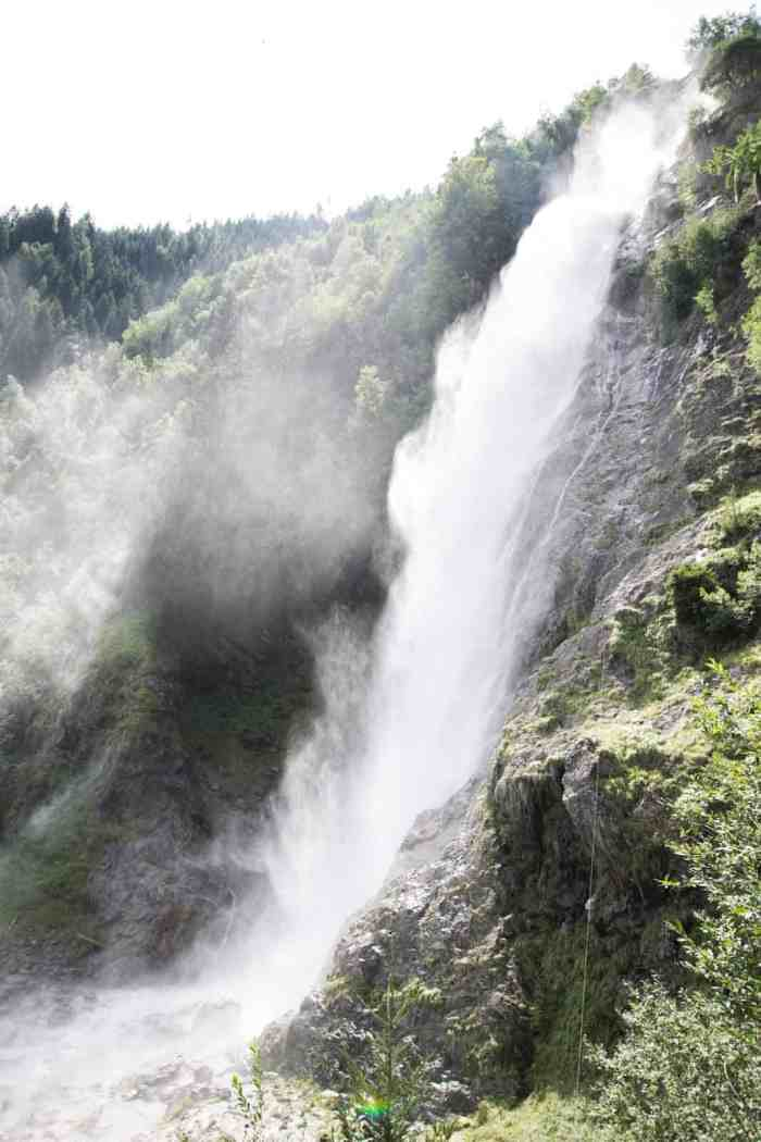 Parcines Waterfall: Best lakes in South Tyrol - check out my Top 10 lakes and waterfalls in Italy! Definitely must-go places in South Tyrol!