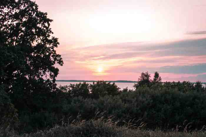 """Best sunrise and sunset spots of Usedom: sunset at viewpoint """"Loddiner Höft"""" at Achtwasser"""