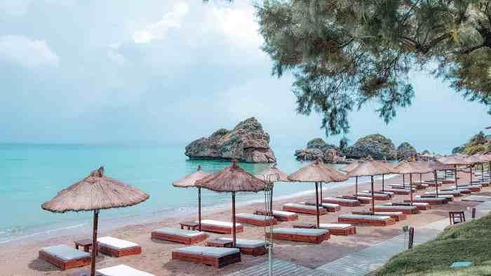 Best restaurants in Zakynthos: Porto Azorro Beach Bar