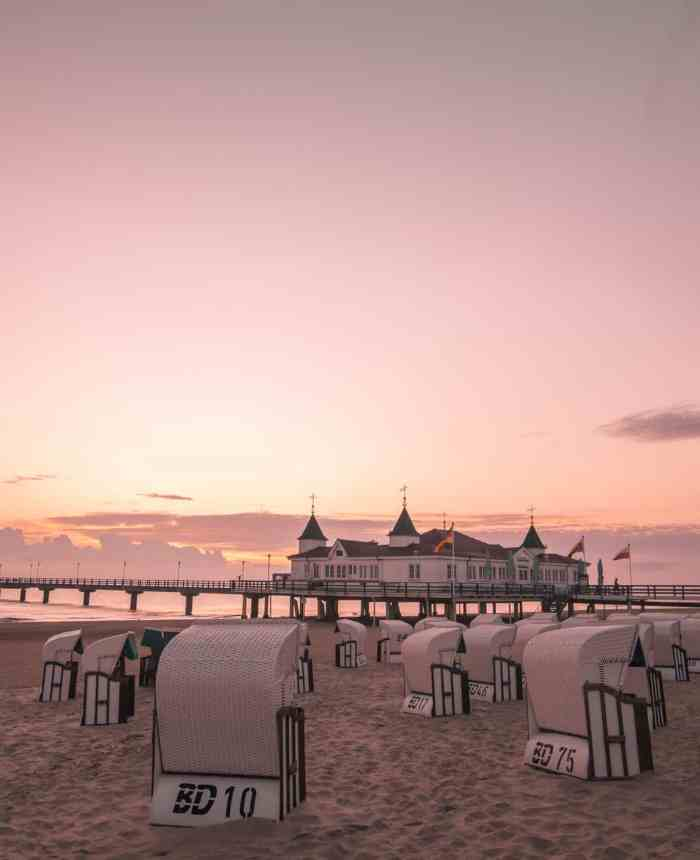 Best sunrise and sunset spots of Usedom: sunrise at Ahlbeck Pier