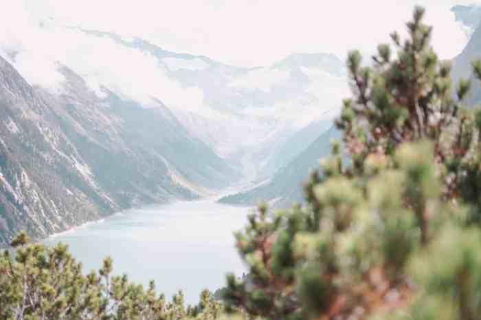 Spectacular suspension bridge in Austria: Hike to Olpererhütte at Lake Schlegeis