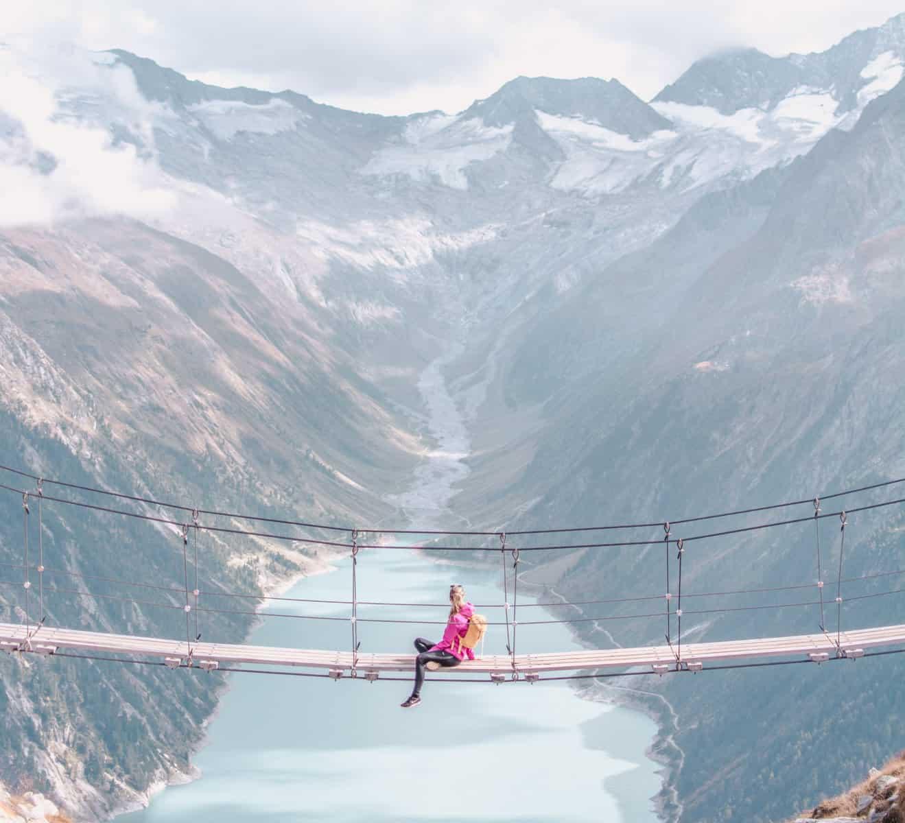 Wie man zu dieser spektakulären Hängebrücke in Österreich kommt