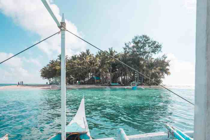 Best islands close to Siargao, The Philippines: Guyam Island