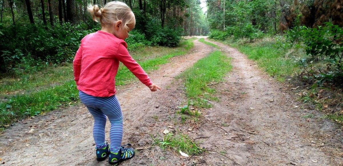 Vademecum Małego Odkrywcy - jak wybrać sandały dla dziecka