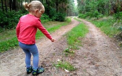 Vademecum Małego Odkrywcy – jak wybrać sandały dla dziecka