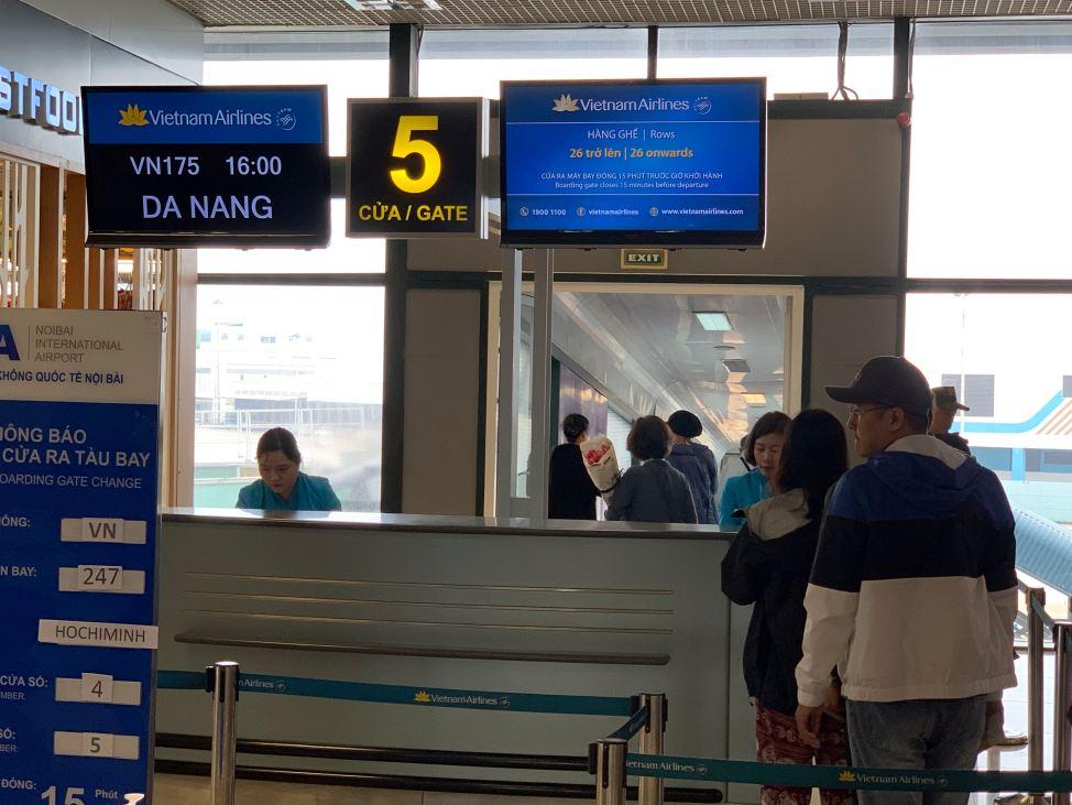 vietnam airlines boarding area hanoi