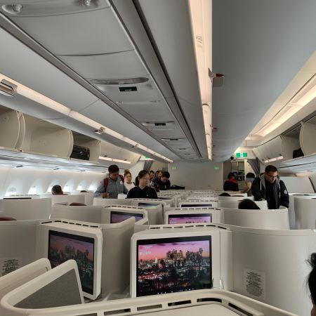 Hong Kong Airlines Hong Kong to Los Angeles