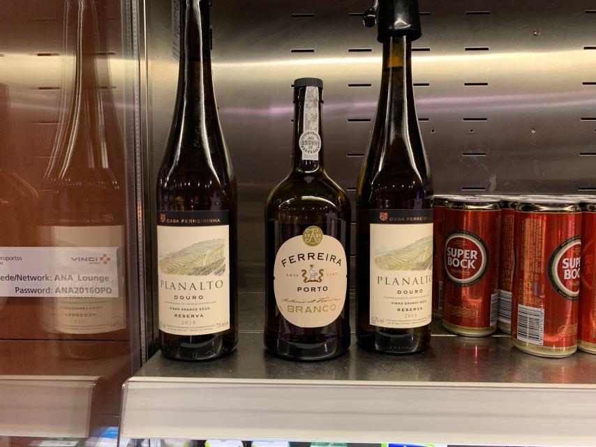White Wine at the Porto ANA Lounge