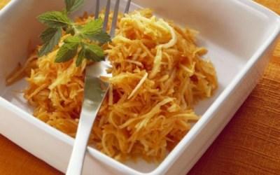 Super Snack: Carrot Apple Salad