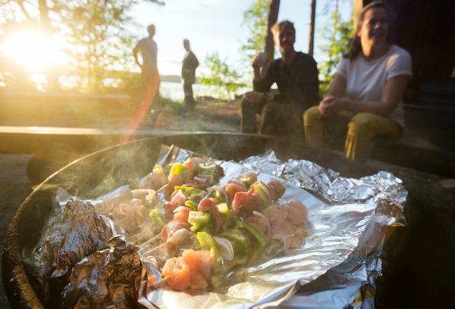 11 Healthy Fire Pit Meals You Can Make This Summer