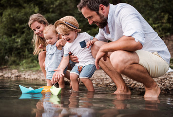 The Family Bucket List: 10 Fun Things To Do BEFORE Summer Ends