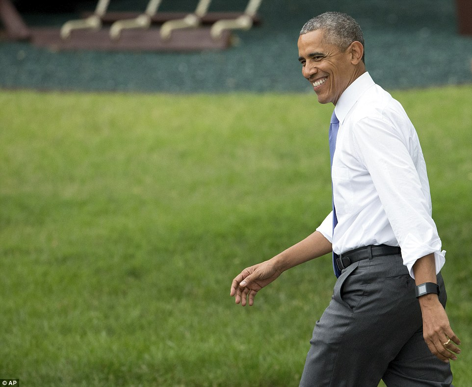 29B83B6F00000578-3129094-Host_President_Obama_appeared_relaxed_and_in_high_spirits_at_the-a-2_1434630644017