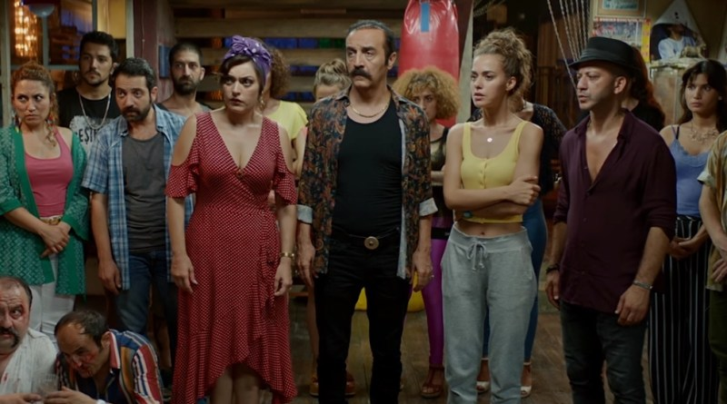 Netflix Turkish Film Money Trap - Organize Isler: Sazan Sarmali