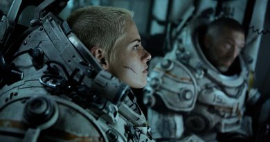 Underwater review - Kristen Stewart takes a plunge into a Lovecraftian nightmare