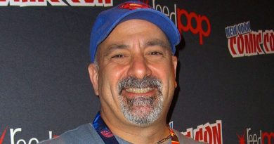 Breaking Comics News: Dan DiDio Out As DC Publisher!