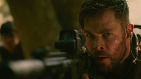 Chris Hemsworth in knalharde Extraction Netflix recensie