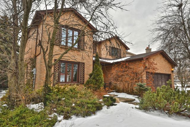 02 1024x683 - Recently sold on Hamilton Central Mountain