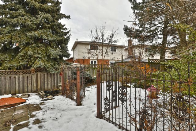 32 1024x683 - Recently sold on Hamilton Central Mountain