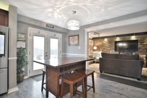 13 - Penfold Court, Mount Hope, Eat in Kitchen