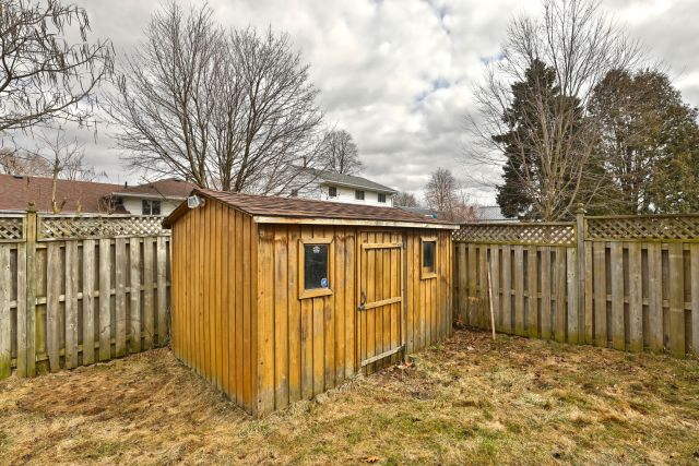 30 1 1024x683 - Recently Sold in Brantford