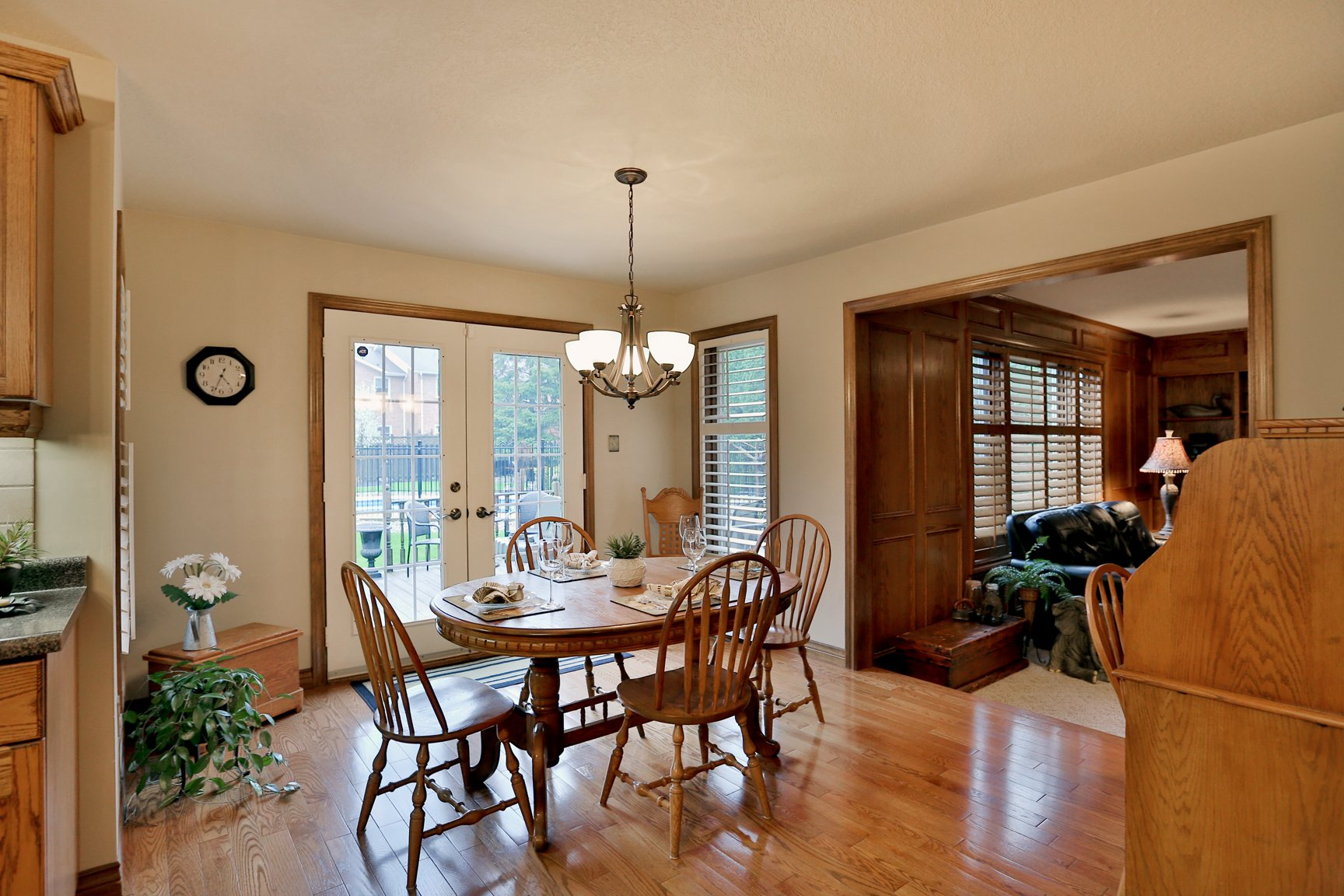 85 Galley kitchen eatin frenchdoors - Recently SOLD in Ancaster