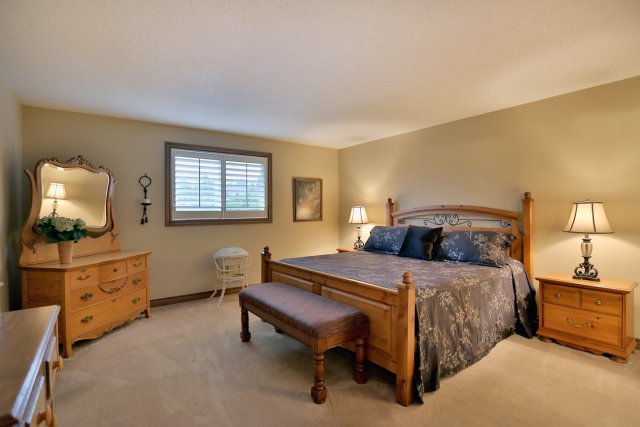85 Galley master bedroom 1 - Recently SOLD in Ancaster