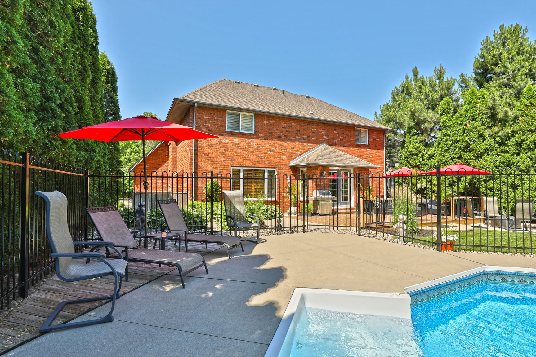 85 Galley pool3 - Recently SOLD in Ancaster